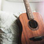 オススメする趣味はギターです。